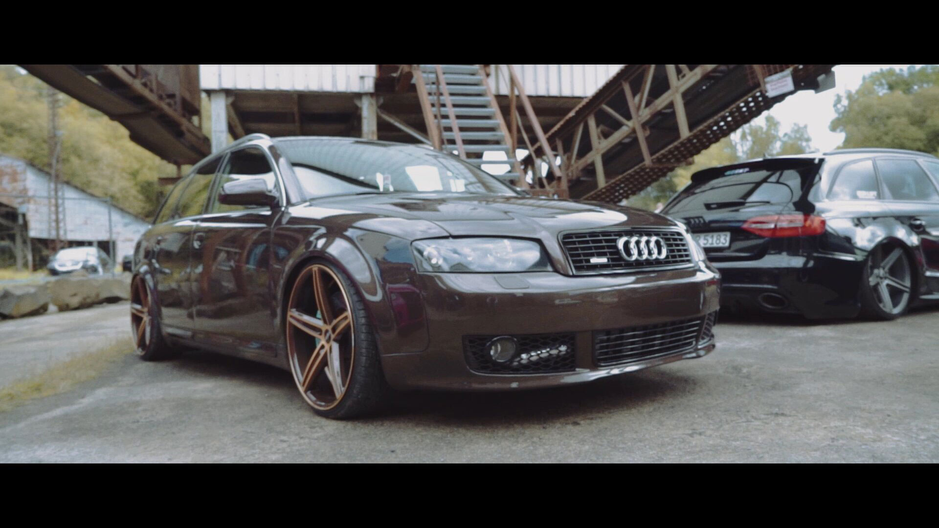 Audi A4 Avant mit OX18 Brown Gold Polish