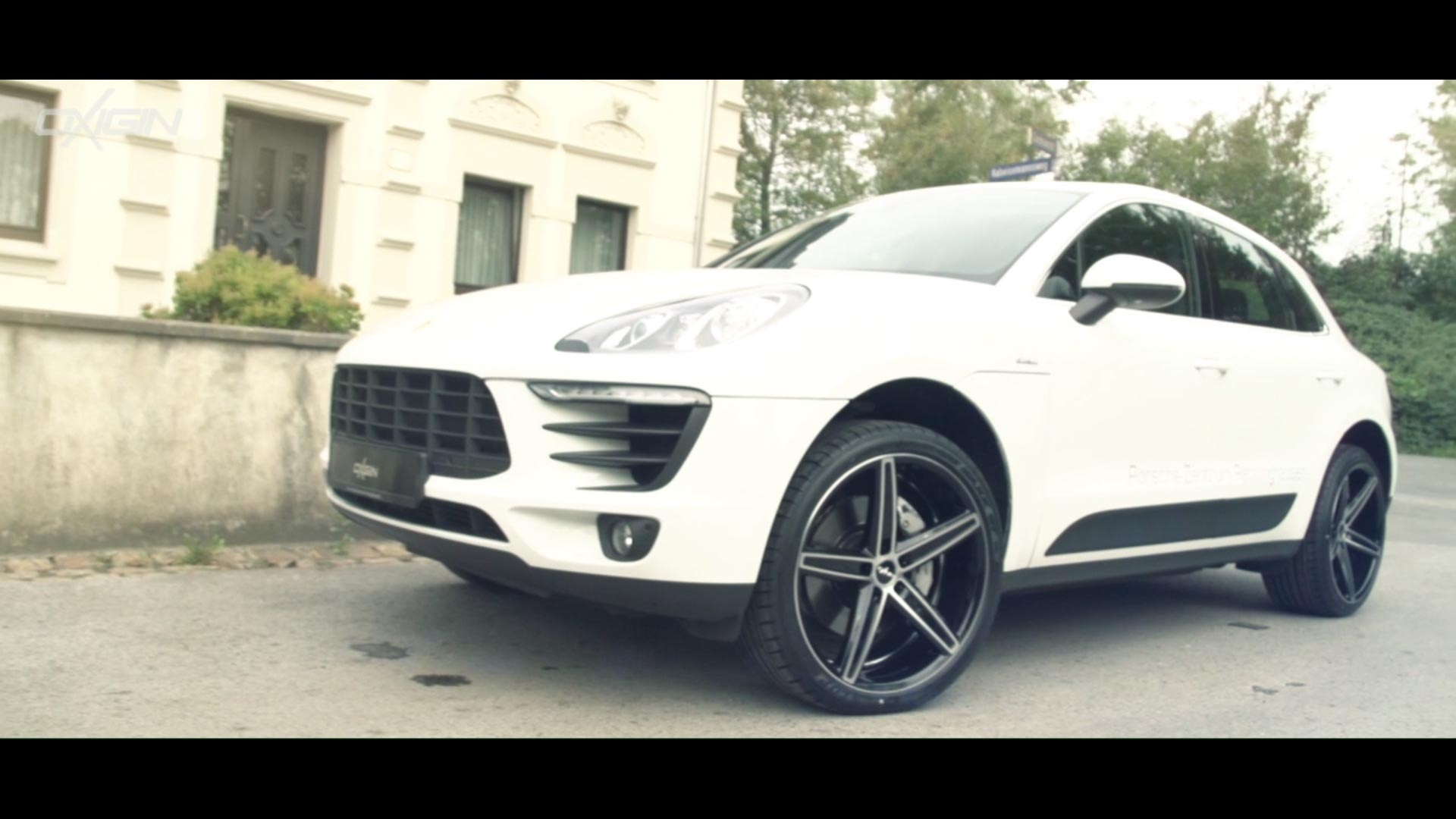 Porsche Macan OX18 Black Full Polish